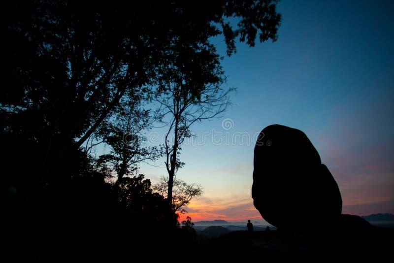 Gigant skały krajobrazu sylwetki widok, Tajlandia obraz stock
