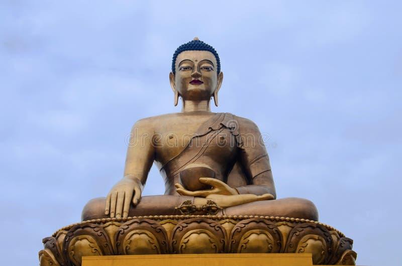 Giganta Buddha Dordenma statua Shakyamuni Buddha statua w budowie w górach thimphu zdjęcie royalty free