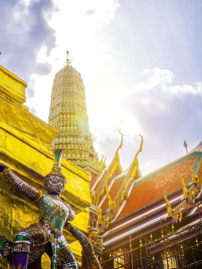 Giganta Wata Phra Kaew świątynia w Bangkok Thailand fotografia stock