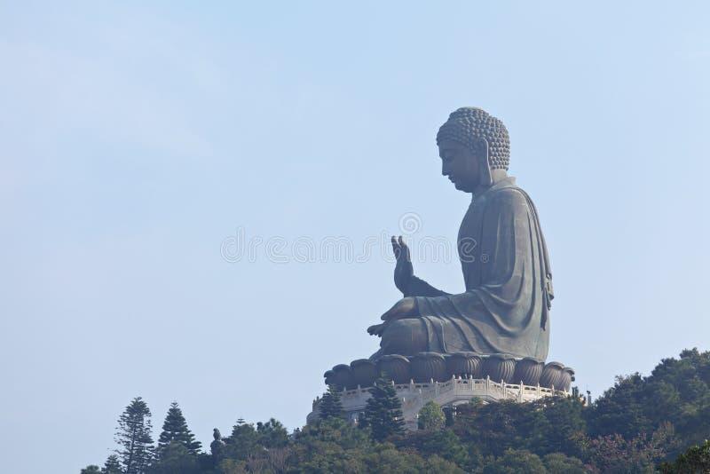 Gigante Buddha di abbronzatura di tian immagine stock libera da diritti