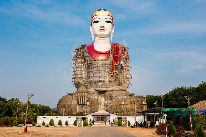 Gigante Buddha di Mudon fotografia stock