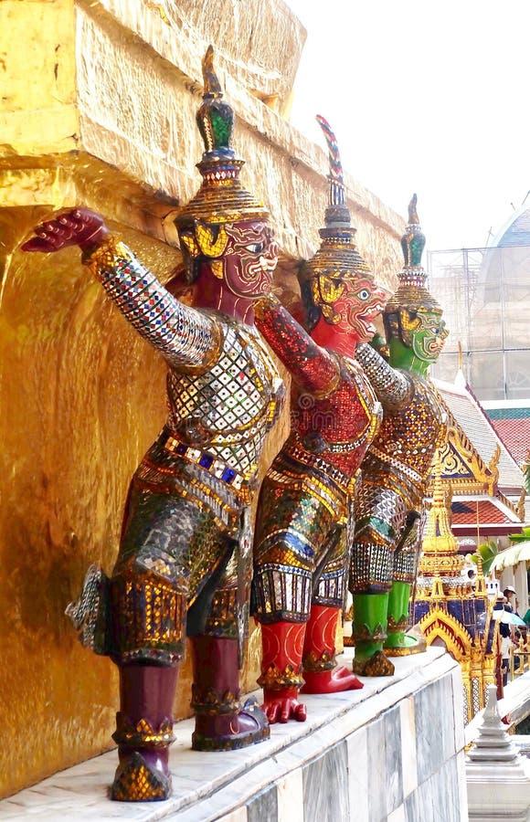 Gigante del guardiano intorno alla pagoda in Wat Phra Kaew Thailand fotografia stock libera da diritti