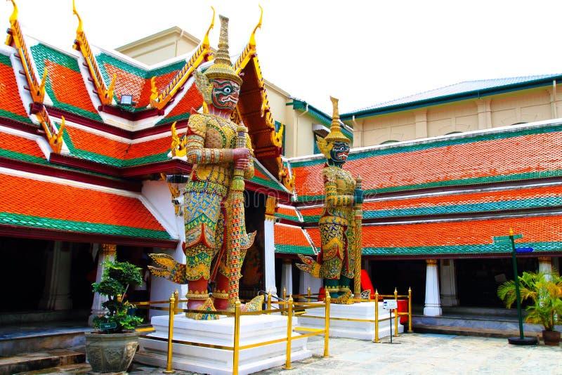 Gigante do gêmeo no templo fotografia de stock royalty free