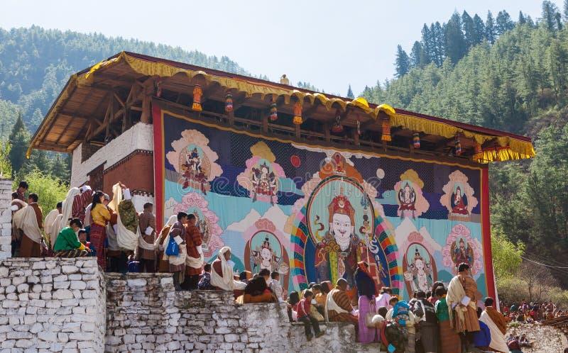 Gigante Thongdroel de Guru Rinpoche en el festival de Paro en Bhután foto de archivo