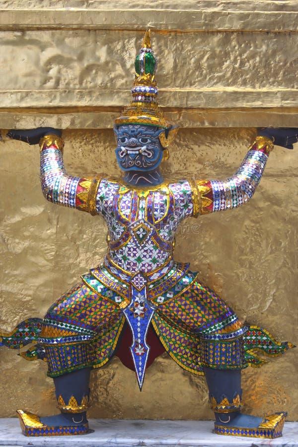 Gigante, Wat Phra Kaew, Banguecoque, Tailândia foto de stock royalty free