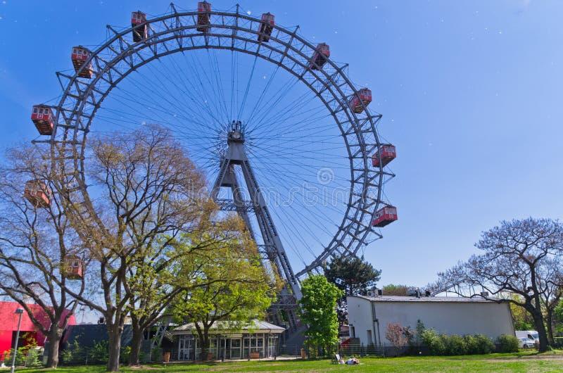 Giganti viennesi spingono dentro il parco di divertimenti di Prater a Vienna immagine stock