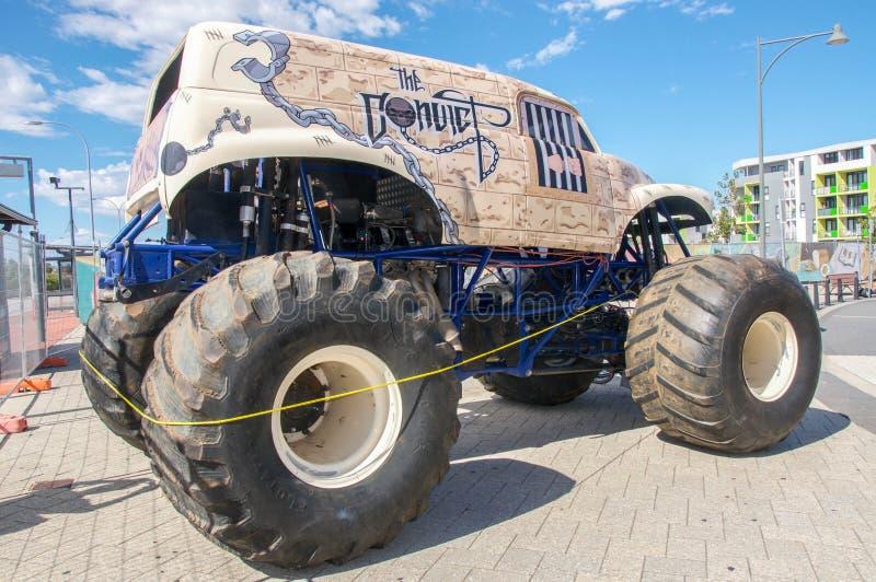 Gigantisk lastbil royaltyfri fotografi