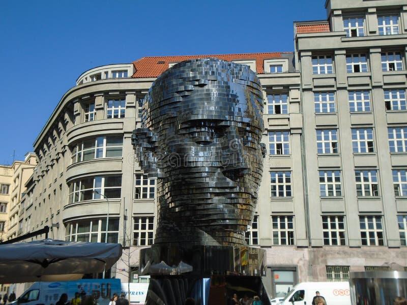 Gigantiskt mekaniskt huvud för Franz Kafka ` s royaltyfria foton