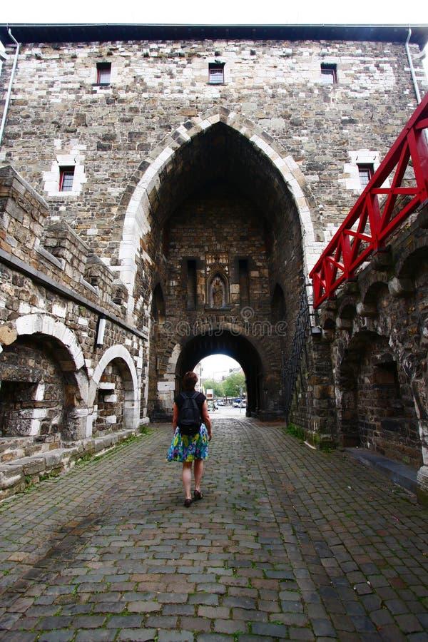Gigantyczna średniowieczna brama Aachen fotografia royalty free