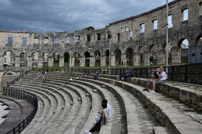 Gigantyczna budowa ogromny amfiteatr obrazy stock