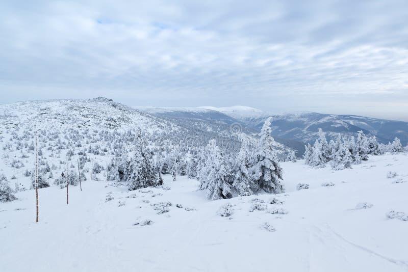 gigantyczne góry zdjęcia stock