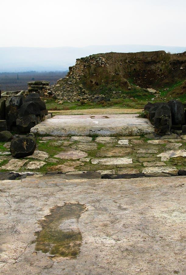 Gigantyczni odciski stopy Ishtar bogini kroki w Ain Dara świątyni blisko Aleppo, Syria obraz royalty free