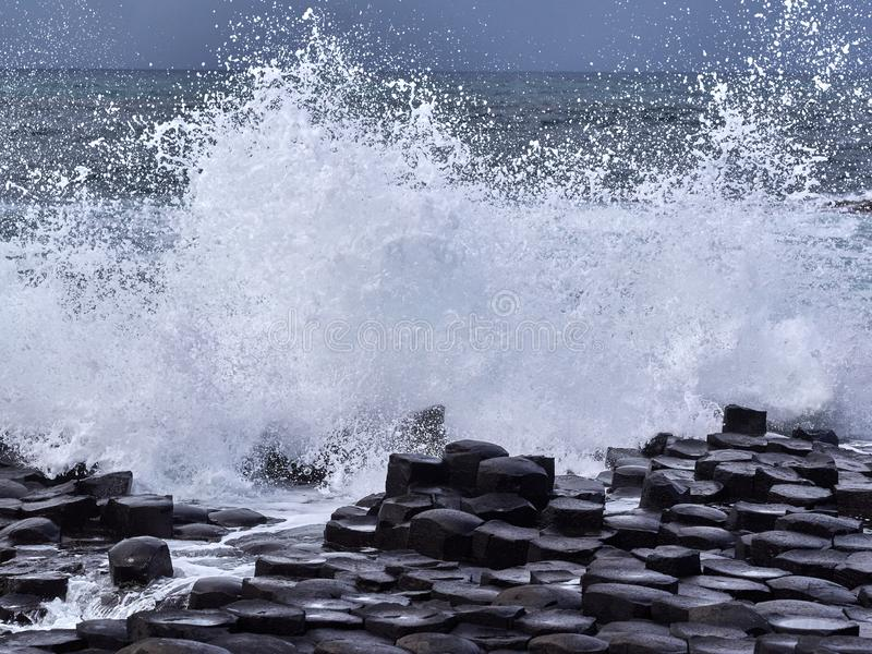 Gigantyczny ` s droga na grobli, Antrim, Północny - Ireland zdjęcie stock