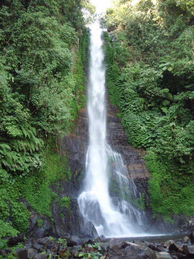Gigit Wasserfall lizenzfreie stockbilder