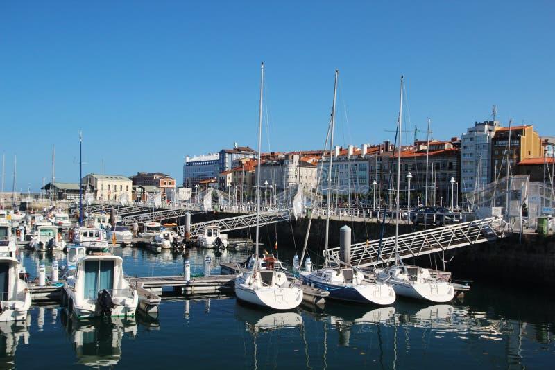 Gijon-Jachthafen und Yachten, Spanien lizenzfreie stockfotografie