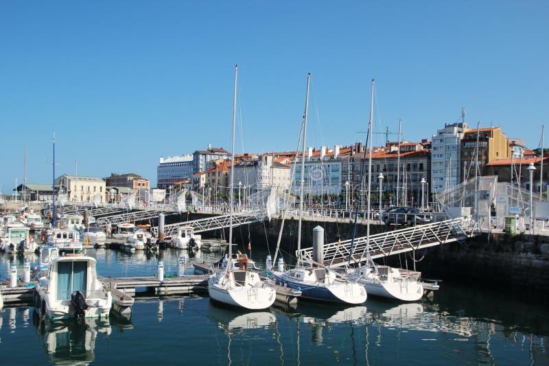 Gijon-Jachthafen und Yachten, Spanien stockfoto