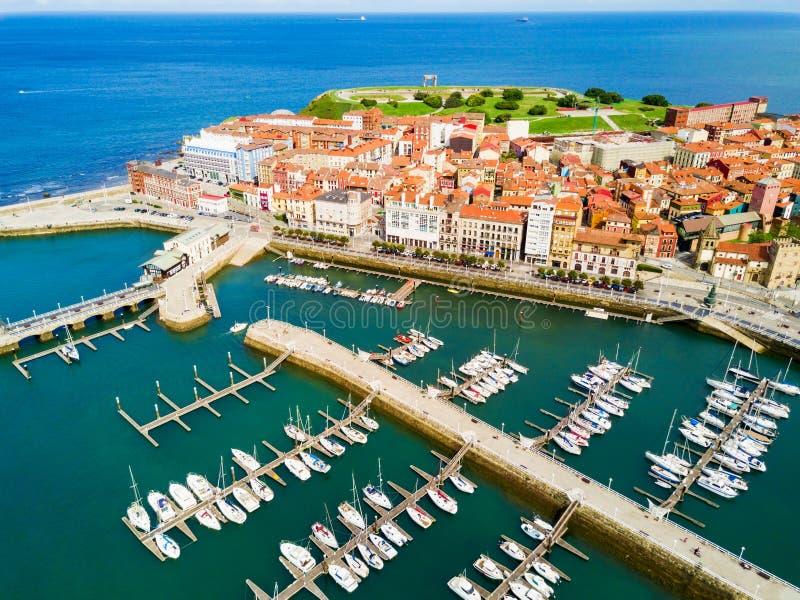 Gijon stadsjachthaven in Asturias, Spanje royalty-vrije stock afbeeldingen