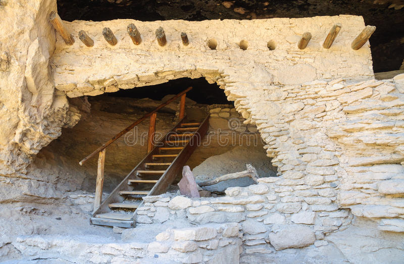 Gila Cliff Dwellings National Monument royaltyfri fotografi