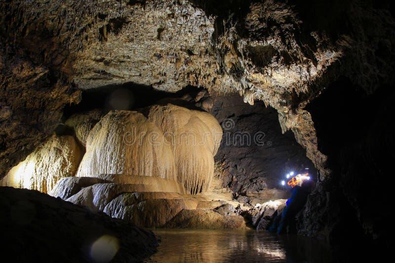 Gilap洞的石笋装饰品 库存照片