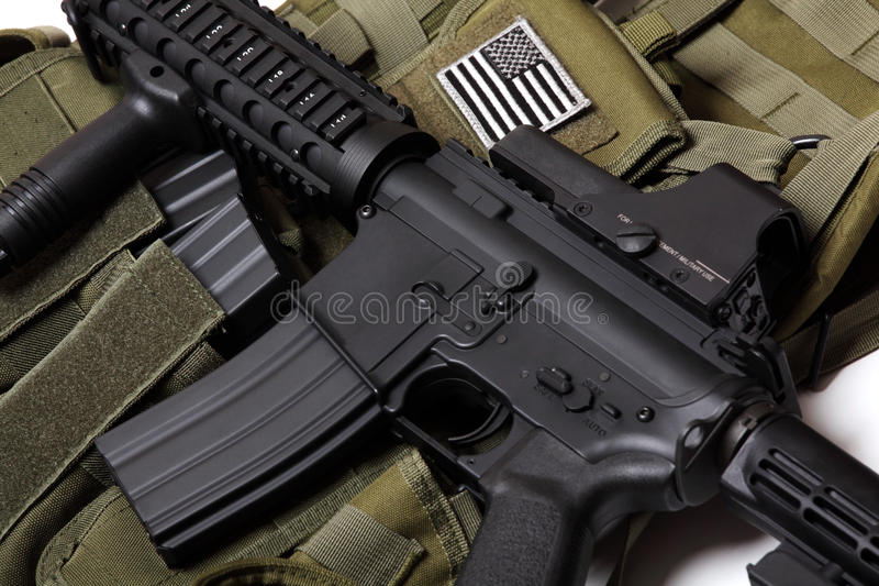 Gilet tactique et carbine des USA. photos libres de droits