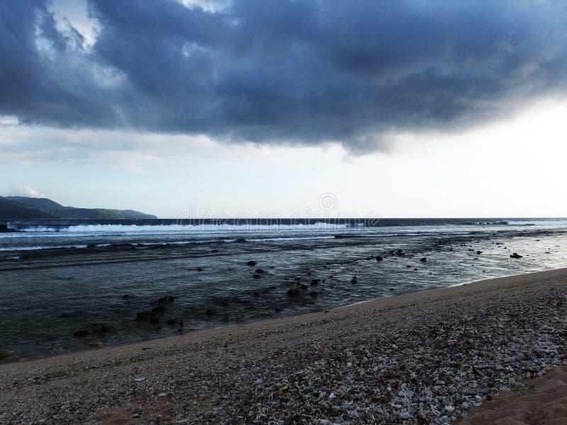 Gili meno under en storm, Bali arkivfoton