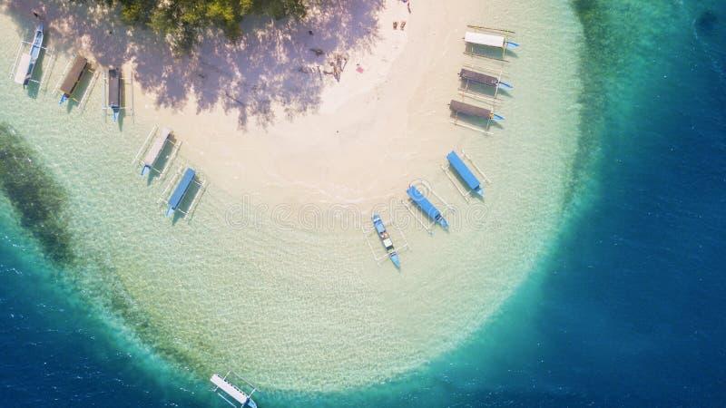 Gili Nanggu Island hermoso con la arena blanca fotos de archivo libres de regalías