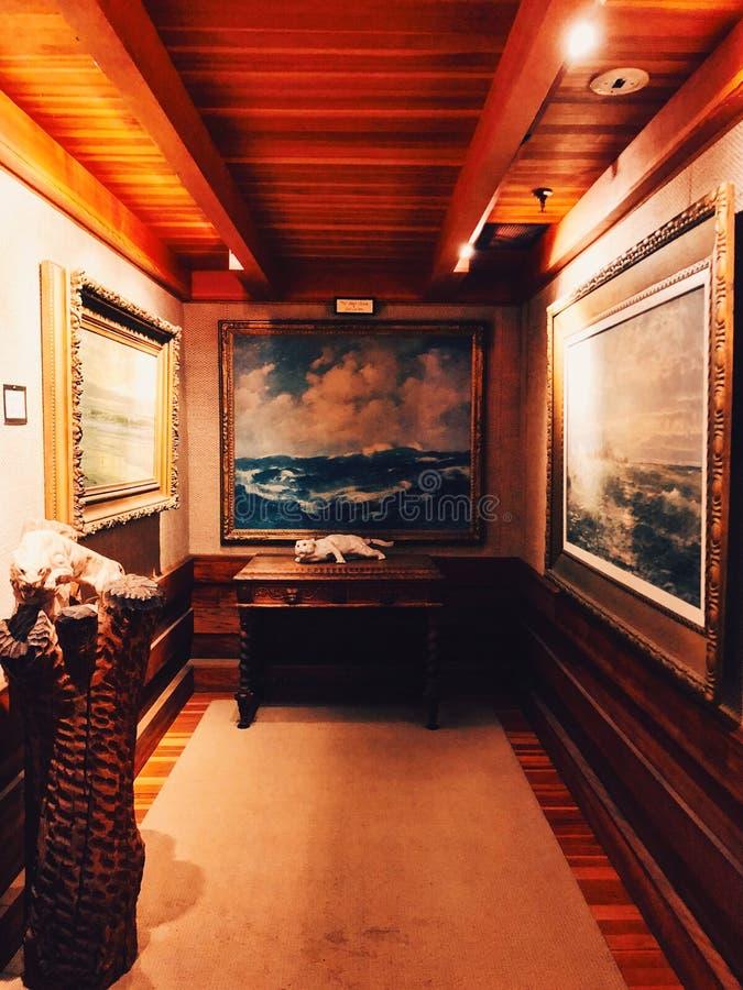 Gillette Castle State Park inre konstgarnering royaltyfri fotografi