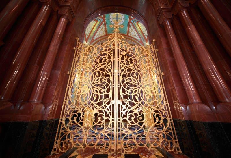 gilt för domkyrkachrist dörr inom frälsare royaltyfria foton