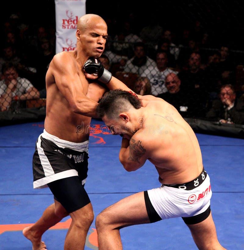 Gilvan Santos v. Rob Costa mengde Vechtsporten royalty-vrije stock foto