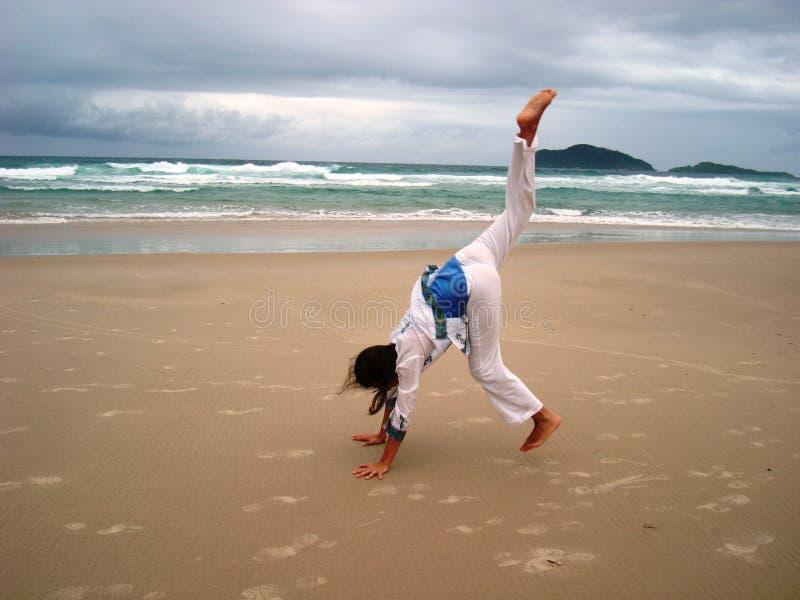 Gimnastics vor dem Sturm 4 stockbild