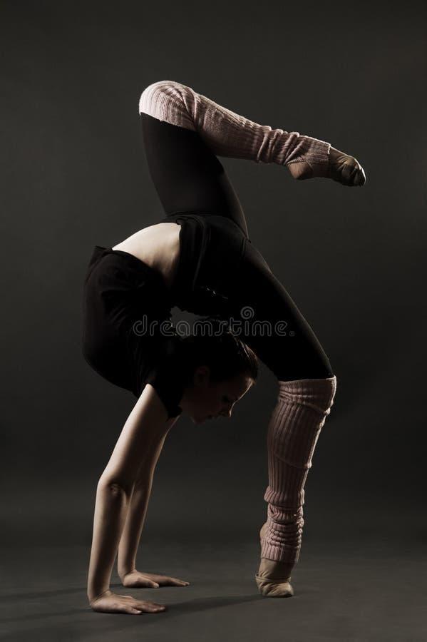 gimnastyczka urocza obraz stock