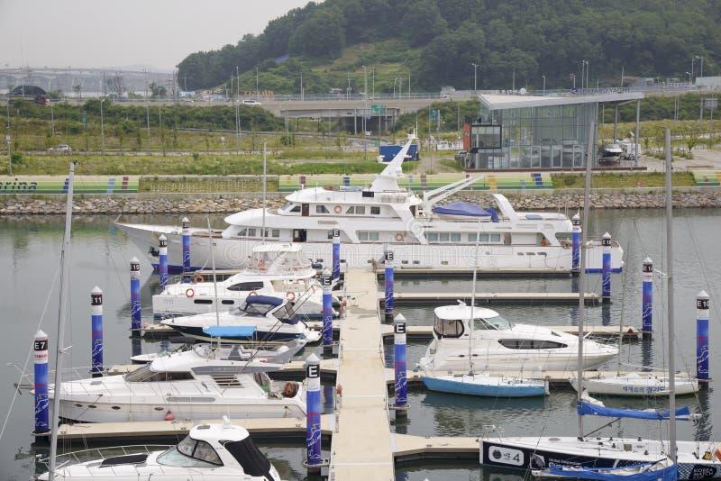 GIMPO, COREA - 5 luglio 2014: Bacino di Ara Marina Yachts in Gyeongin fotografia stock libera da diritti