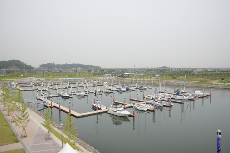 GIMPO, COREA - 5 luglio 2014: Bacino di Ara Marina Yachts in Gyeongin fotografie stock