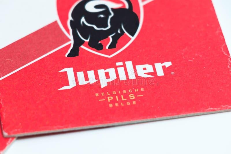 Ginevra/Switzerland-28 08 18: Cartone Belgio di protezione del sottobicchiere della birra di Jupiler immagini stock