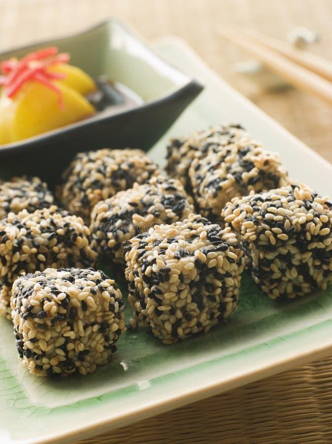 ginger bejcujący daikon smażone tofu sezamowego nasion obrazy stock