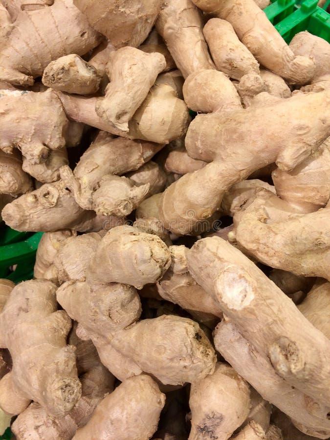 Ginger Roots Aangeboden voor verkoop in een winkel royalty-vrije stock afbeelding