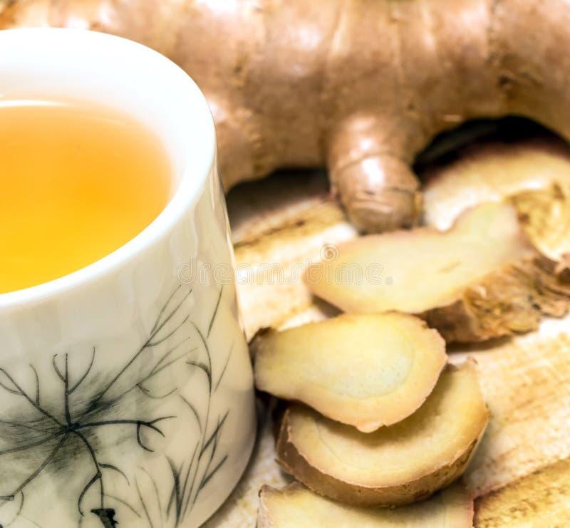 Ginger Tea Shows Refreshes Refresh und Erfrischungen im Freien stockbild