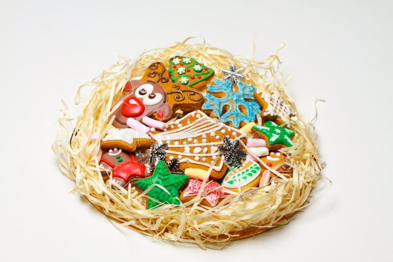 gingerbread Biscotti della renna I dolci di Natale sono fatti a mano in un bello pacchetto fotografia stock