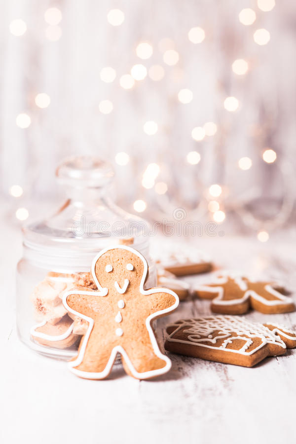 Mobile Phone Christmas Wallpaper Gingerbread And Ornaments