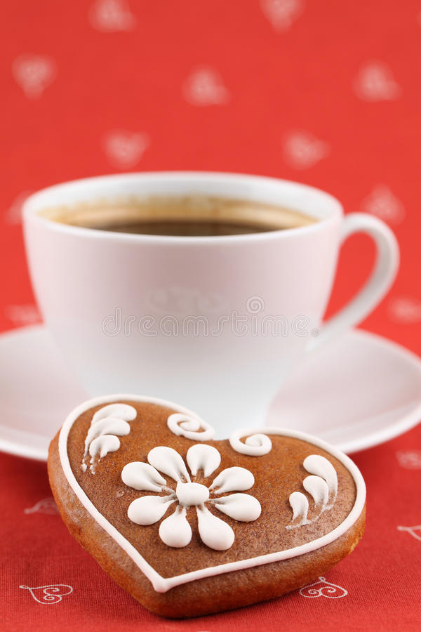 Gingerbread Heart And Coffee Royalty Free Stock Image