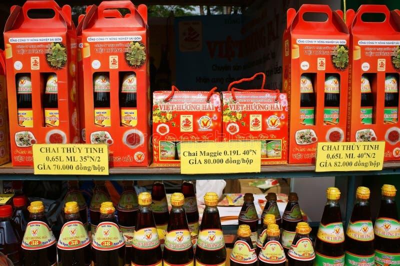Ginseng rouge pur avec du miel et le crocus avec du miel photos libres de droits