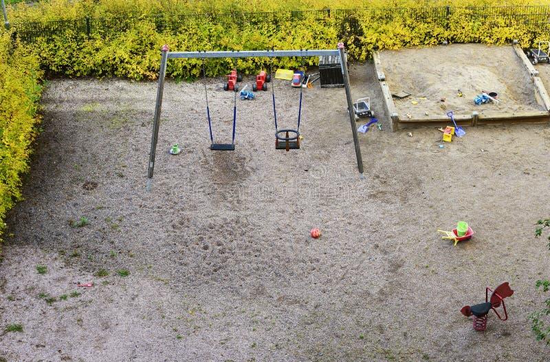 Giocato, sabbia e altalena, vista dall'alto fotografia stock
