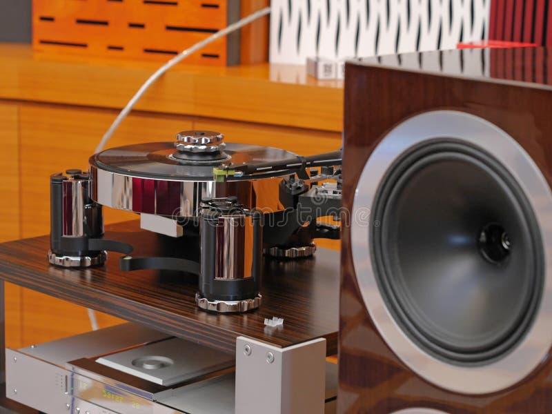 Giocatore ad alta fedeltà Audiophile della piattaforma girevole fotografie stock libere da diritti