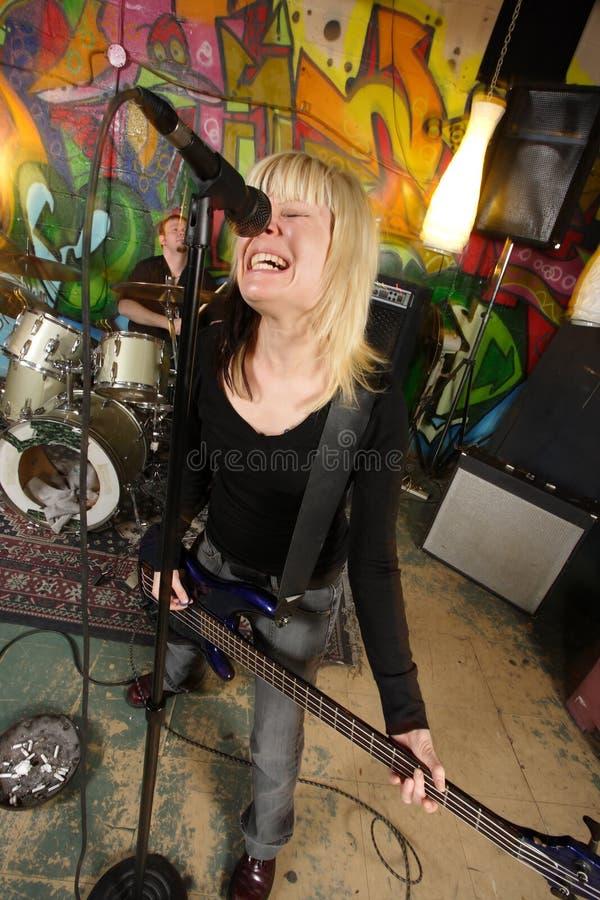 Giocatore basso femminile che grida fotografia stock libera da diritti
