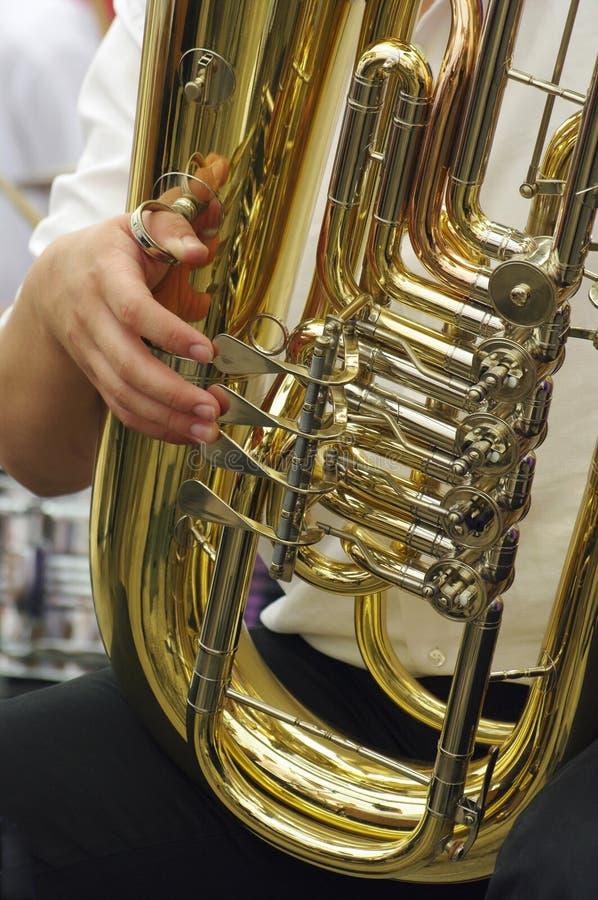 Giocatore del Tuba - particolare fotografia stock