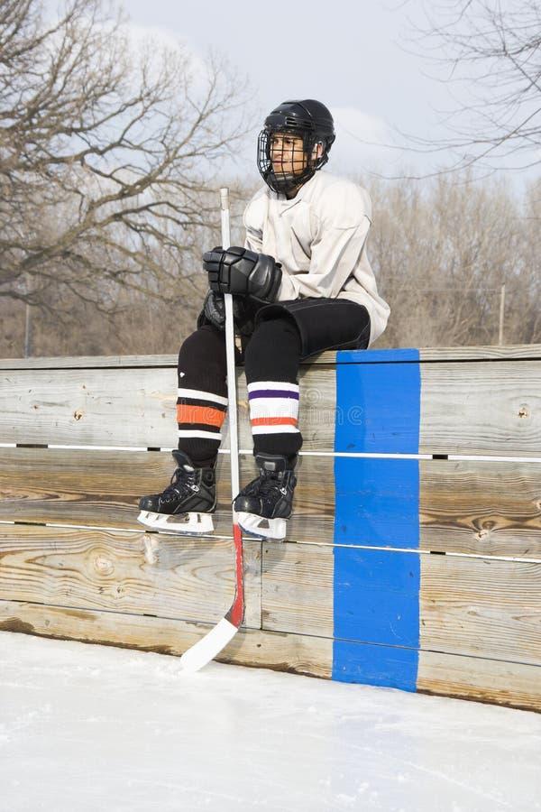 Giocatore di hokey del ghiaccio. fotografie stock