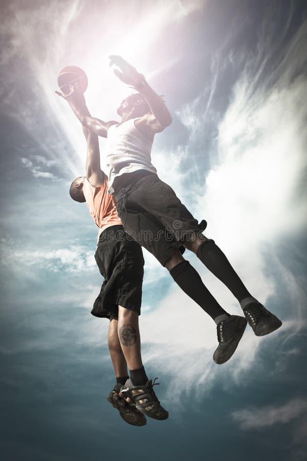Giocatore di pallacanestro due fotografie stock libere da diritti
