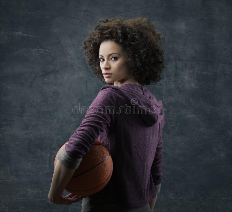 Giocatore di pallacanestro femminile fotografia stock libera da diritti