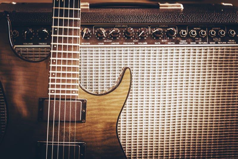 Giocattoli del giocatore di chitarra immagini stock