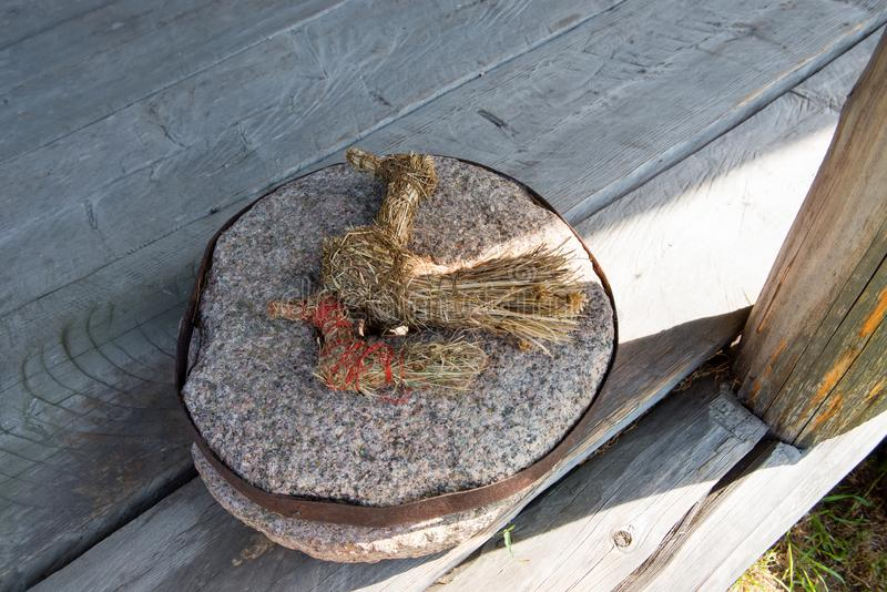 Giocattoli della paglia - amuleti fotografie stock